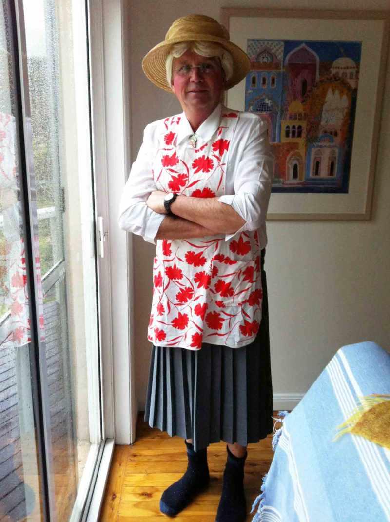 dad-colonial-woman